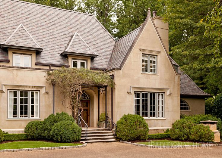 Elegant atlanta home with a quiet palette architecture for Elegant country homes