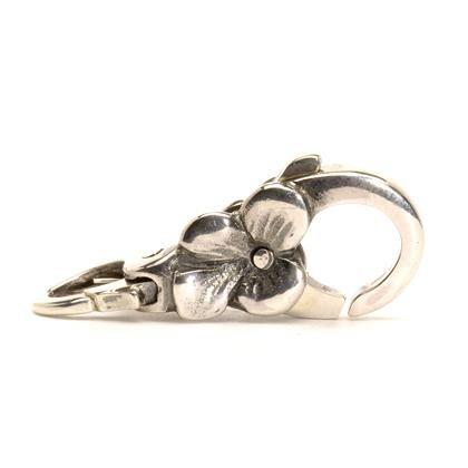 Un fiore d'ortensia per chiudere il tuo bracciale. - Designer: Lise Aagaard #trollbeads #jewels #bassano