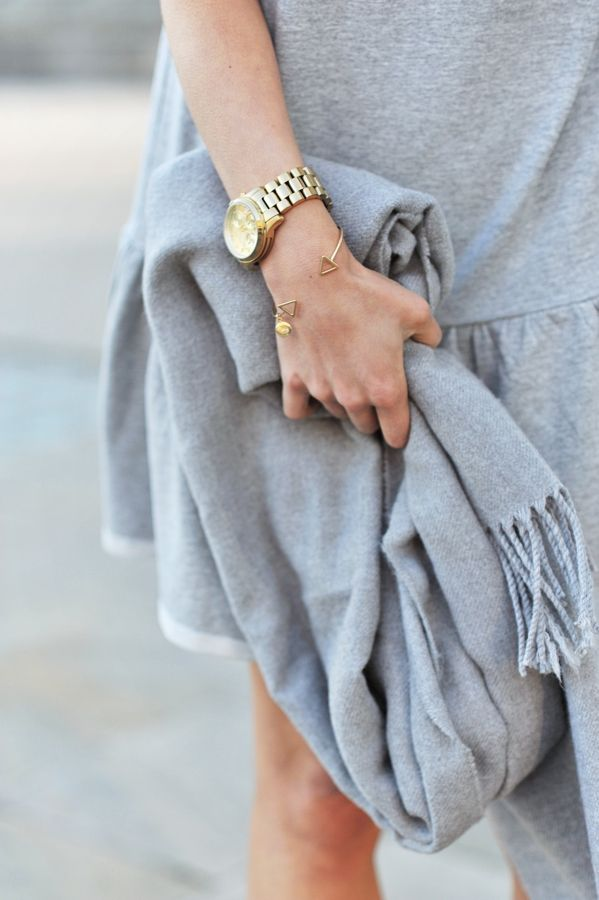 grey and gold//