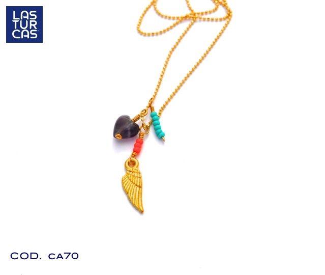 Collar sueños, en cadena de oro goldfiled, alita en baño, dije corazón en amatista y mostacillas checas color turquesa. #Lturcas #Lasturcas #Accesorios #Collares #Handmade #hecho a mano