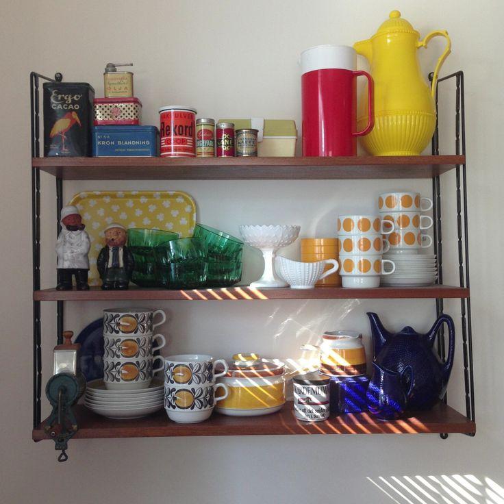 In my kitchen. #retro #stringshelf #retrostuff #myhomemycastle #fraufurtenbach