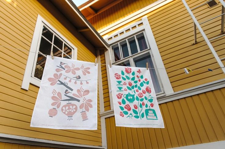 New tea towels Hevoskastanja and Ruusutarhassa. Design by Kristiina Haapalainen & Sami Vähä-Aho 2013. Photo by Lauri Hannus.