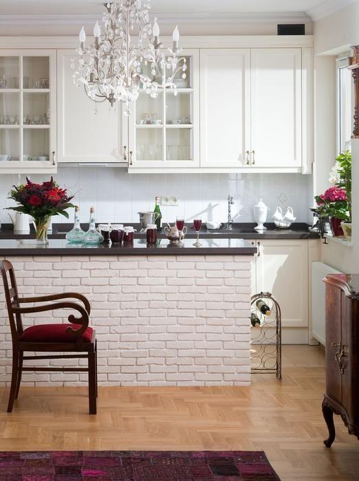 aranżacja kuchnia - ściana z cegły