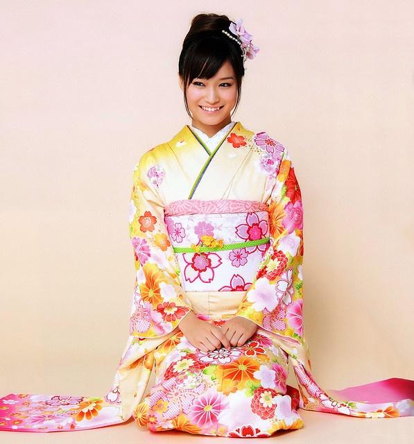 happy floral kimono