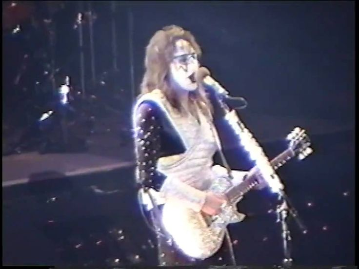 KISS - New York Groove - Chicago 1996 - Reunion Tour