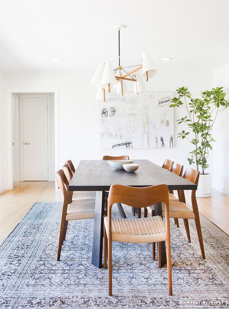 Minimalist Mid-Century dining room