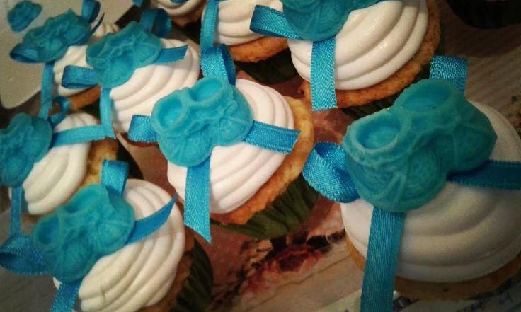 Cupcakes Tematica Baby Shower  https://www.facebook.com/candybarlovesweet/?ref=tn_tnmn