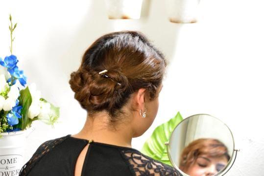 Si tienes una fiesta en puerta y no sabes como peinarte, tenemos la solución para ti, en este tutorial aprenderás de una forma fácil y sencilla a peinarte de chongo con dos trenzas. Tips Belleza, Hair Inspiration, Hair Styles, Diana, Ideas, Shape, Braided Hairstyles, Short Hairstyles, Hairstyles Videos