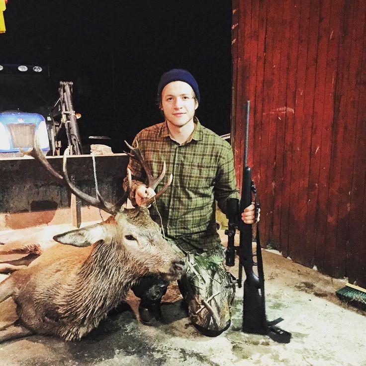 Endelig etter mange forsøk klaffet alt! Min første bukk. Fikk den på brøling i skogen. Sykeste opplevelsen noen sinne. #aftenbladet #rogaland #norgesjakt #jaktforlivet #jaktfeberen #norskjakt #hjortejakt2015 #brunst #jaktogfriluft #p4h #jaktnorge #norgesjegere by jaktfeberen.blogg.no