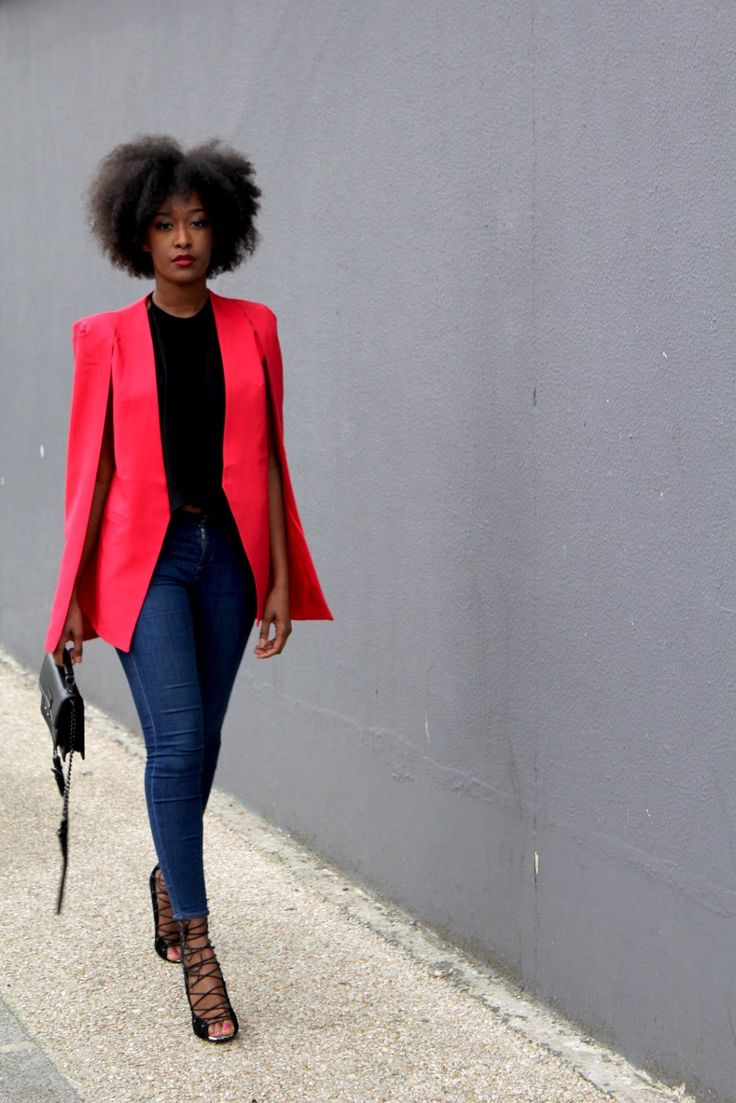M'bem di fora: Le blazer cape, nouvel indispensable de dressing.