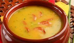 Prepare uma deliciosa receita de Caldo de Mandioca INGREDIENTES 500 g de mandioca cozida 2 tabletes de caldo de galinha 100 g de linguiça calabresa defuma