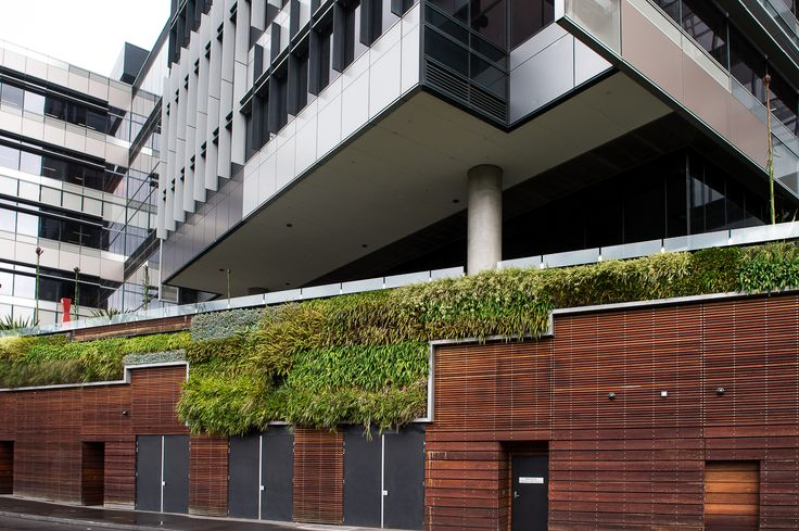 Green Wall, Docklands