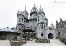 Znalezione obrazy dla zapytania zamek jak z bajki