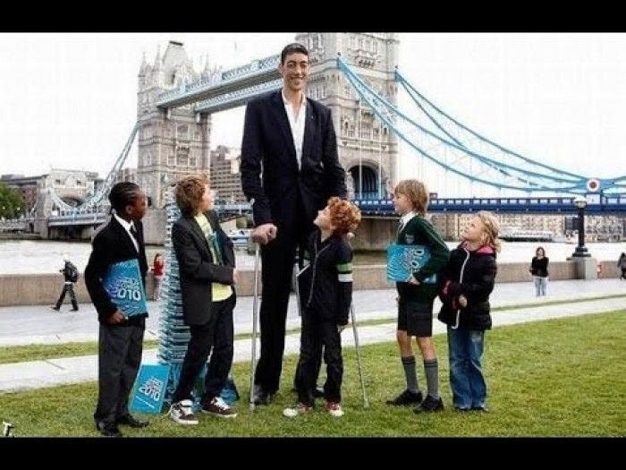 10 Real Life Giants Known For Unusually Tall Stature