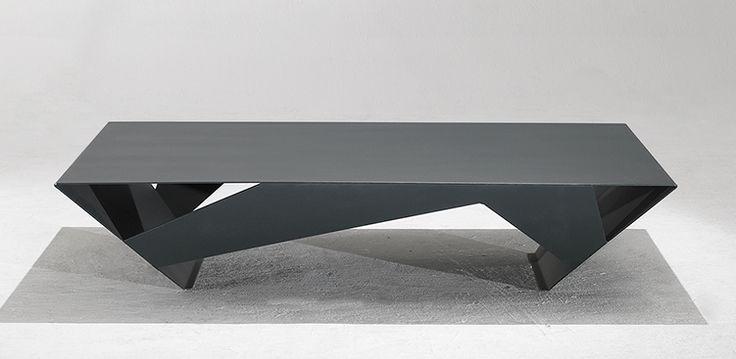 Table Basse OMNI en Acier et Aluminium Finition Epoxy Poudré