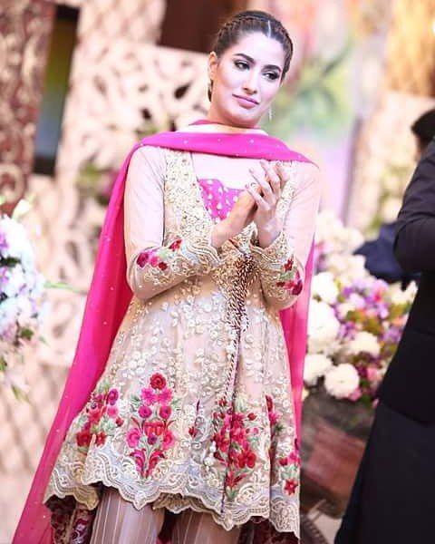 Eid Mubarak   @MehwishHayat #MehwishHayat  #Stunner #Gorgeous  #Mehwish  #Beauty #Stunning #Diva     #Beautiful @mehwishhayatofficial #Queen of #Hearts and My #Cutiepie  #QueenMehwish   Fimlography  #Jpna #PNJ #PunjabNahiJaungi #Actorinlaw #Dillagi   #Pakistani #Actress and #Cutie #BeautyQueen #Mev  Facebook Instagram & Twitter @MehwishHSource   #like4like #l4l