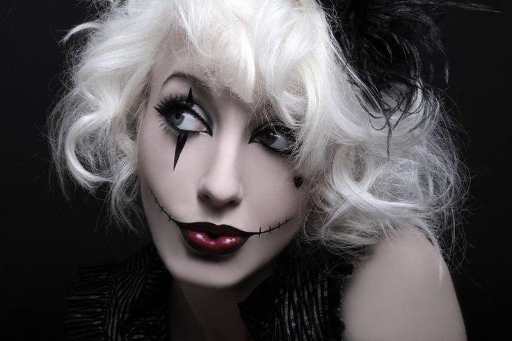 maquillage Halloween rouge à lèvres et dessin de grillage barbelé