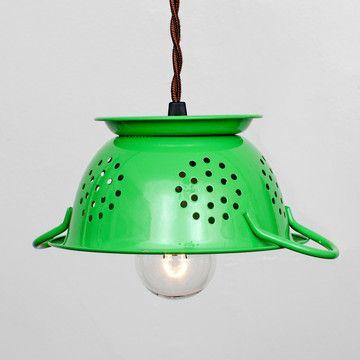 so cute for the kitchenPendants Lamps, Colander Lights, Adorable Kitchens, Kitchens Nooks, Pendants Green, Fleas Marketing, Pendants Lights, Minis Colander, Colander Pendants