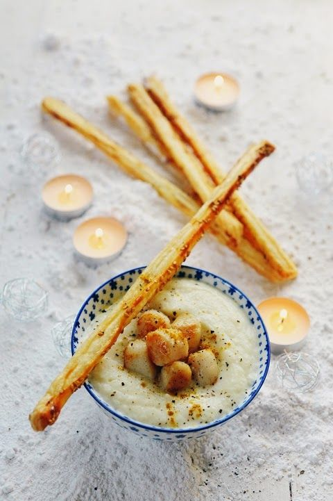 Mais pourquoi est-ce que je vous raconte ça... Dorian cuisine.com: Velouté de chou-fleur aux noix de St-Jacques pour commencer mon menu festif à moins de 6 euros par personne !