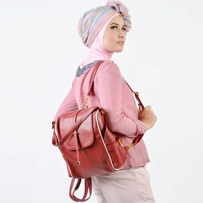 tas ransel wanita cocok untuk menjadi tas sekolah, tas kuliah, tas kerja. terbuat dari bahan kulit jeruk . harga tas : Rp 175.000.