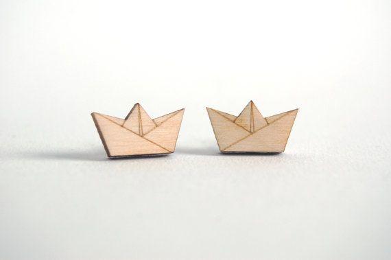 $6.50 Houten oorbellen origami boot lasersnijden origami door StudioMaas