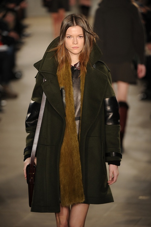 #KasiaStruss is all wrapped up and cosy at #NYFW in this @Belstaff outfit