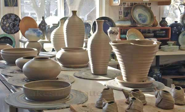 Our studio in action during Open Studio time -POTTERY TIPS, LESSONS & EDUCATION  543 Newfield Avenue, Stamford CT 06905 | 203-323-2222
