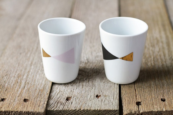 Small geometric triangle cups // Petits gobelets triangles. Parigote: Geometric Home Diy, Etsy, Triangles Cups, Small Geometry, Small Geometric, Gobelet Triangles, Diy Home, Petite Gobelet, Geometric Triangles