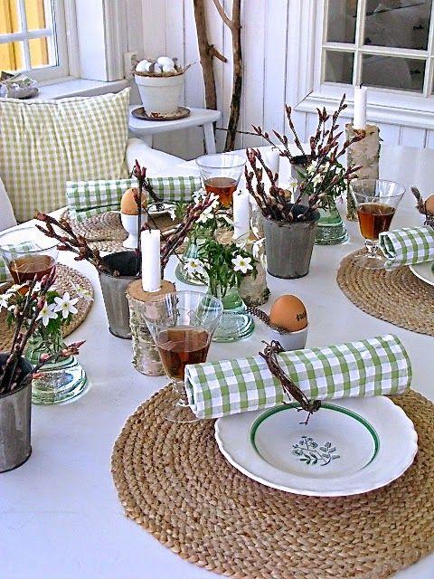 So sieht #Ostern auf dem #Frühstückstisch aus #Tischdekoration #diy