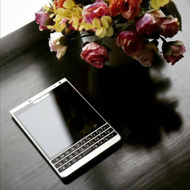 Blackberry Passport SE