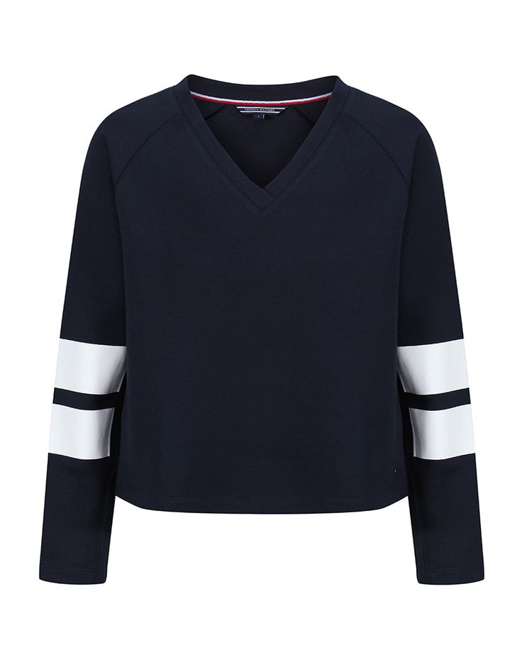 The perfect year round wear, the Women's Caitlin V-Neck Sweatshirt by Tommy Hilfiger is lightweight, comfortable and beautiful in quality. Easy to match, the sweatshirt looks great whatever it is matched with, from a pair of cosy tracksuit bottoms, to a pair of smart jeans with a pair of Chelsea boots. The perfect present for a loved one this year, the sweatshirt is sure to be loved and worn at every opportunity.