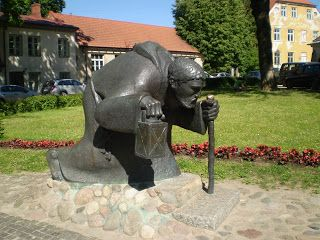 Cēsis: Old man with a lantern