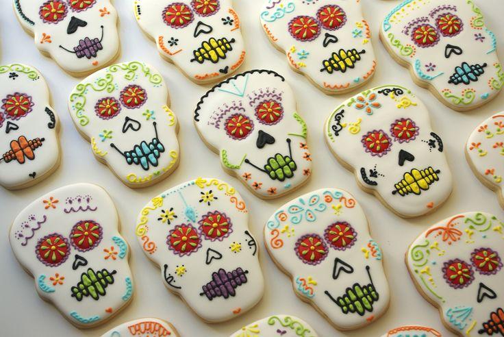 day of the dead skulls www.teenytinybakery.com