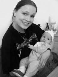 Tarja Turunen confirma que ya es madre