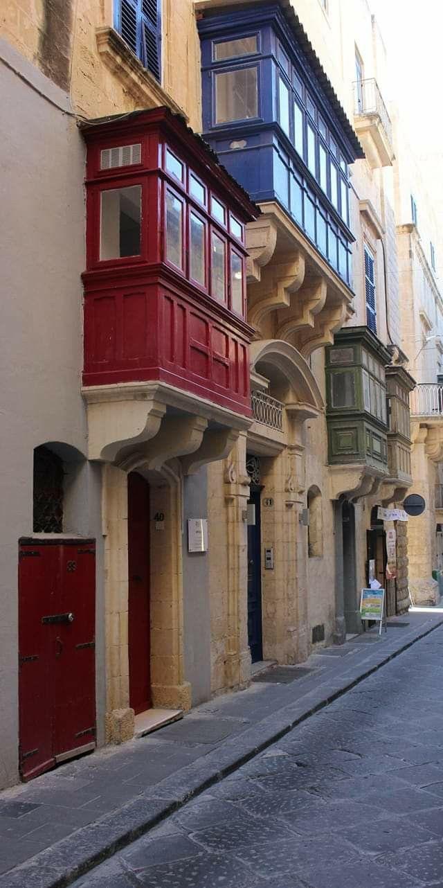 من شوارع فاليتا عاصمة جزيرة مالطا Architecture Pictures Alley