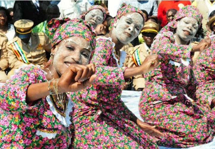 Dança do Tufo - Ilha de Moçambique. Publicação de Jerry Silva