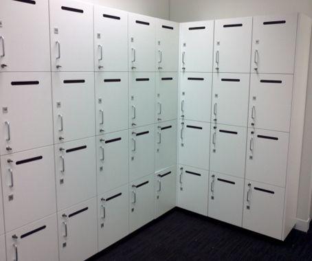Jual locker besi berkualitas kuat dan tahan lama dengan kualitas produk terbaik dan tidak diragukan lagi. Kami Menyediakan berbagai macam bentuk dan ukuran locker sesuai dengan kebutuhan anda.Info lebih lanjut silahkan hubungi kami 081316140397 / 085...