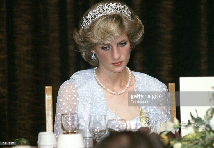 Princess Diana At A Banquet In New Zealand Wearing A Blue Chiffon Evening Dress Designed By Fashion Designers David And Elizabeth Emanuel (the Emanuels).