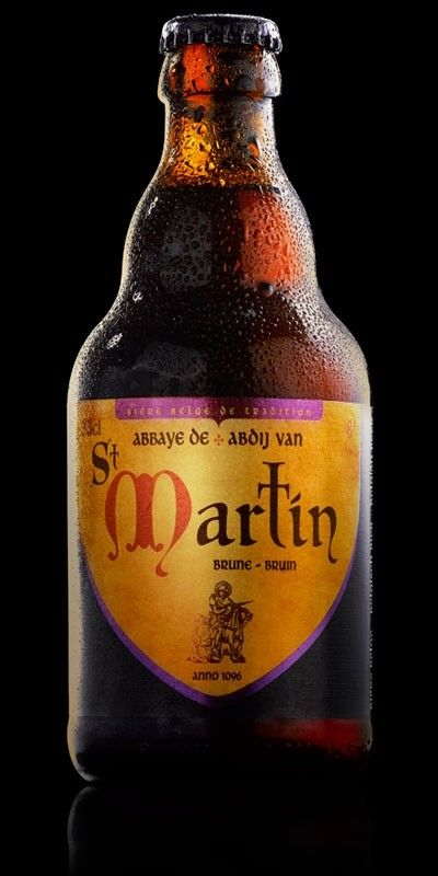 Cerveja St Martin Brune, estilo Belgian Dubbel, produzida por Brasserie de Brunehaut, Bélgica. 8% ABV de álcool.