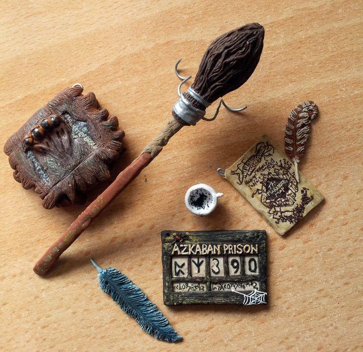 Miniature set vom 3 Teil Der Gefangene von Askaban -the monster book of monsters -der Nimbus 2000 -eine Feder -eine wahrsager Tasse☕ -ein Stück Pergament