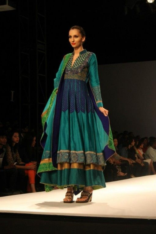 Peacock style dress in pakistan