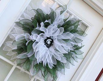 NFL fútbol Michigan estado Spartans guirnalda, guirnalda Deco malla flor, guirnalda de la flor de Dalia, decoración de la pared, puerta guirnalda, guirnalda de la flor