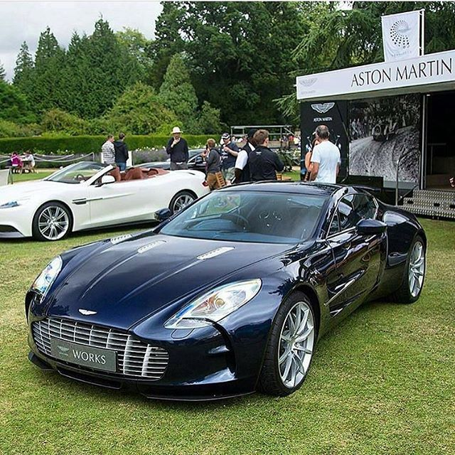 #AstonMartin #One77