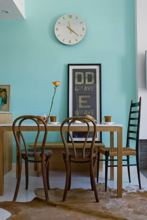 wall color.: Wall Colors, Dining Rooms, Wall Colour, Dining Table, Blue Wall, Paintings Colors, Aqua Wall, Turquoise Wall, Accent Wall