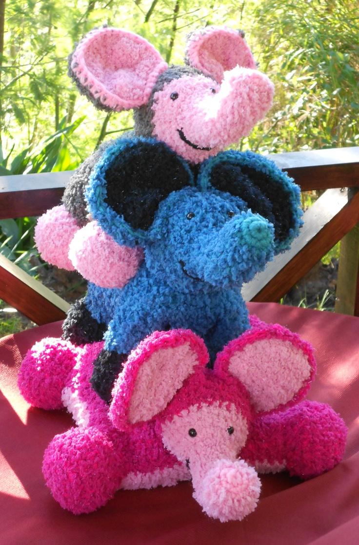 24 best crochet pillow pets images on pinterest scatter cushions crochet patterns pillow pets flat a pillow upright a toy haakpatronen knuffelkussens bankloansurffo Choice Image