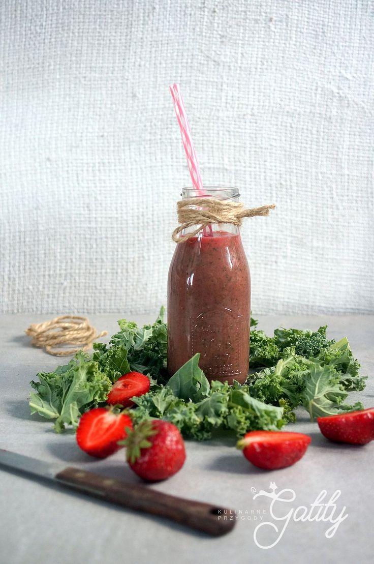 Kulinarne przygody Gatity - przepisy pełne smaku: Koktajl truskawkowy z jarmużem