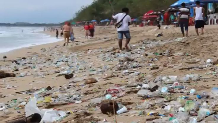 MY FIRST SHOCKING IMAGE OF KUTA BEACH BALI, how plastic is harming the e...