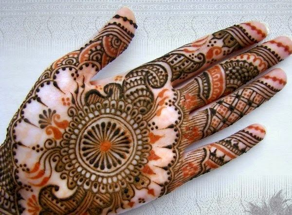 Mehndi Designs Practiced in India http://www.tipsclear.com/mehndi-designs-theme-practiced-india/ #MEHNDI #henna #beautyblogger #fashionblogger #Paidcontent #guestblogger #tips