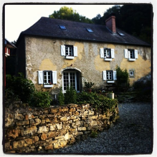 47 best images about stone buildings on pinterest french for French country farmhouse
