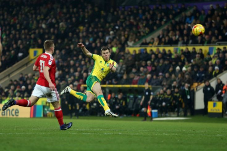 Norwich City's Jonny #Howson #Score An Amazing #Volley From 25-Yards Out. #JonnyHowson #NorwichCity #soccergoals